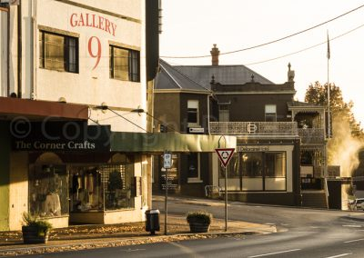 Deloraine - early morning corner Emu Bay Road and West Barrack Street