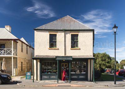 Richmond - Sadlers Court Gallery in Bridge St