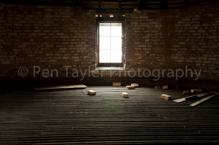 08. The drying floor, Valleyfield Roundel